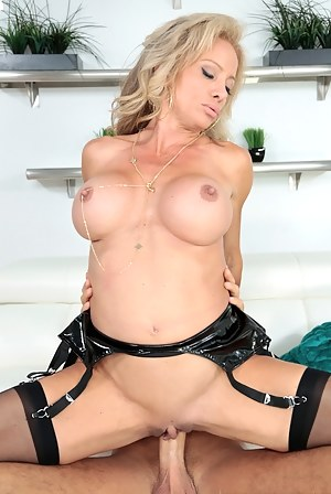Free Dick in MILF Pussy Porn Pictures