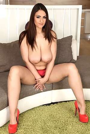 Free Big Boobs MILF Porn Pictures