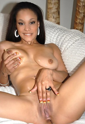 Free Black MILF Pussy Porn Pictures